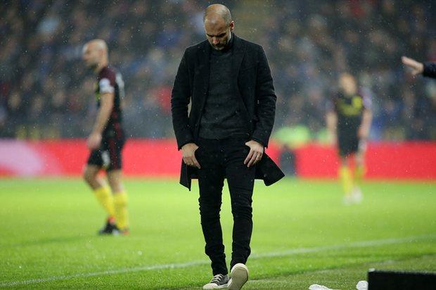 Guardiola Menahan Kekecewaan Pada Laga Kontra Leicester Sabtu Kemarin (Foto: Getty)